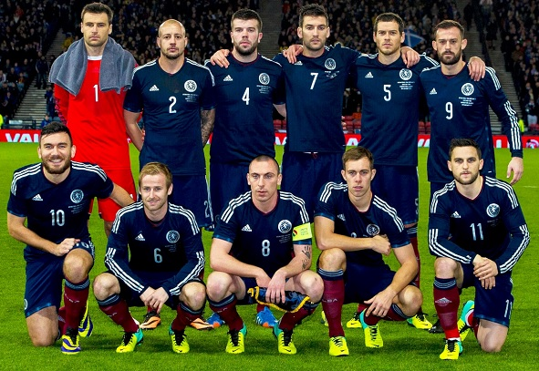 Scotland-2014-adidas-home-kit-navy-navy-dark-red-group-photo